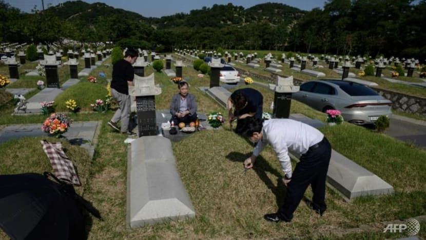 COVID-19 triggers shifts in traditions as South Korea celebrates thanksgiving
