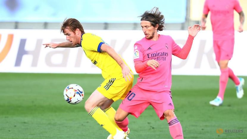 Football: Alex Fernandez wins sibling rivalry in Cadiz victory over Real Madrid