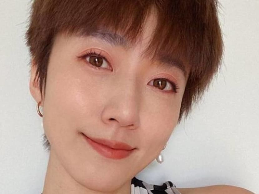 Kate Pang falls into drain while distracted by phone, suffers deep cut that exposes bone