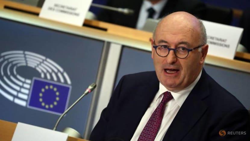 EU trade chief Hogan to quit over Irish golf dinner furore