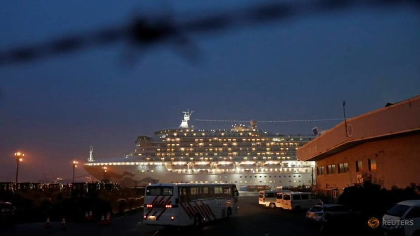 40 US nationals infected on Japan ship as others fly home