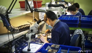 Singapore's manufacturing output contracts for the first time in almost a year