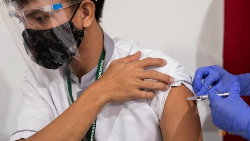 Inoculate anyone who wants a COVID-19 vaccine shot, says Philippines' President Duterte