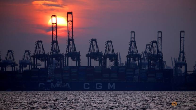 Singapore's exports fall 14.6% in Q2