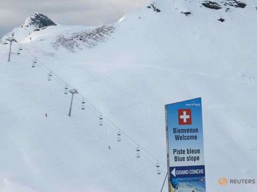 Vive la difference: COVID rules divide adjacent French, Swiss ski resorts