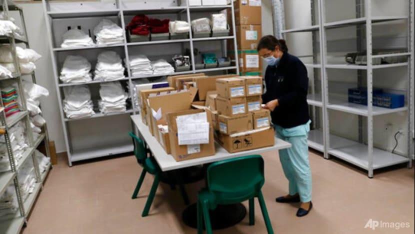 Portugal shuts schools, blames variant for COVID-19 surge