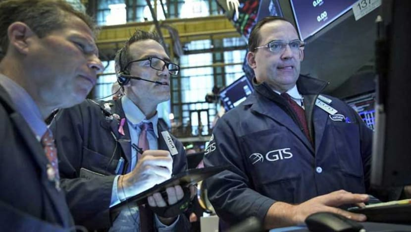 US stocks end mostly lower amid trade uncertainty