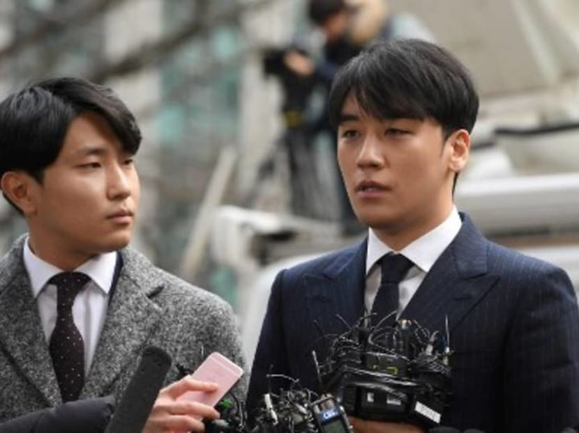 Police seek arrest warrant on Seungri as more charges are levelled against him