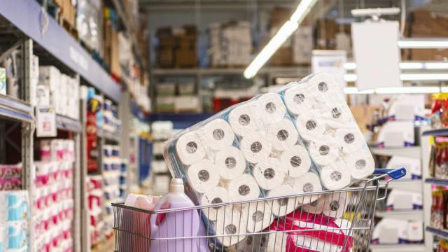 调查:恐惧心理等因素 导致人们在疫情期间囤积日用品