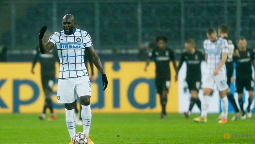Football: Lukaku double in 3-2 win at Glabdach keeps Inter hopes alive