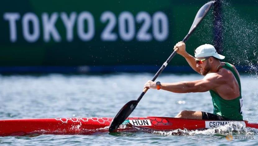 Olympics-Canoe sprint-Hungary's Csizmadia sets record to reach semis, Rio champion Heath struggles