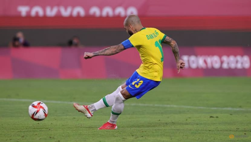 Olympics-Soccer-Alves and Brazil have sights set on more gold