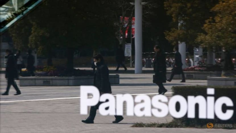 Toyota-Panasonic venture to build lithium-ion batteries for hybrids in Japan