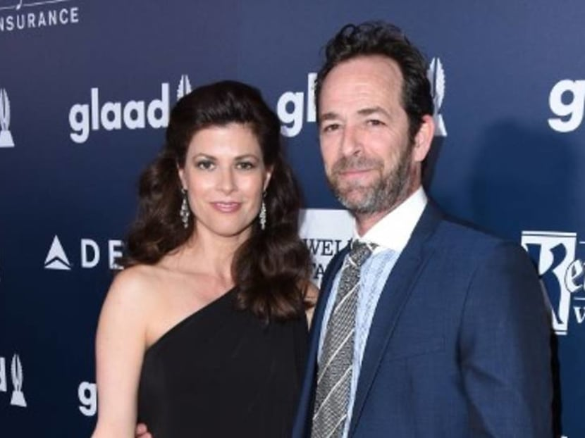 Luke Perry was surrounded by family, including ex-wife and fiancee, when he died