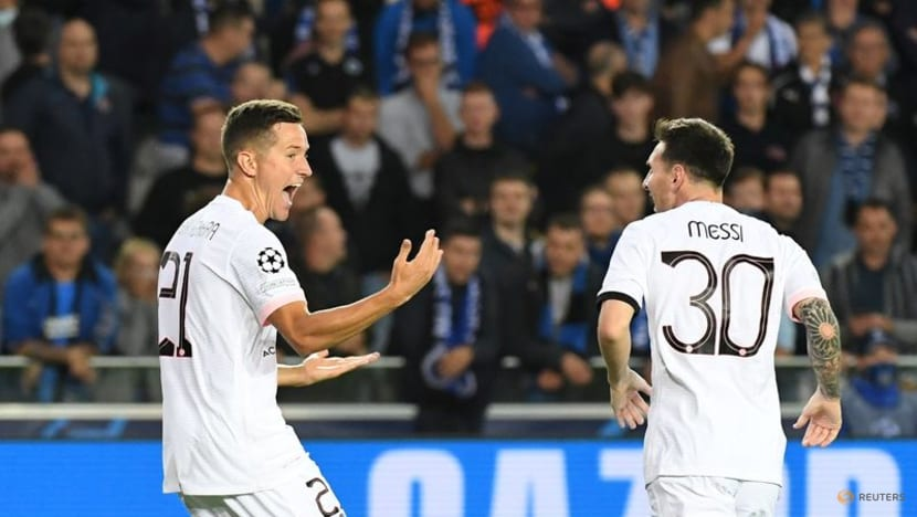 Soccer - Still a long way to go before Messi and co shine for PSG