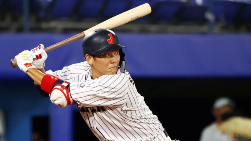 Olympics-Baseball-Japan a win from gold feel onus to avoid sorrow, boost interest