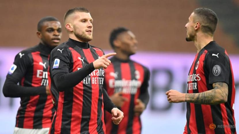 Football: Milan snatch stoppage time winner to stay top of Serie A