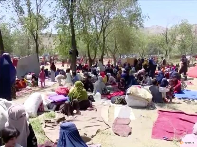 Hundreds of displaced families seek food and shelter in Kabul