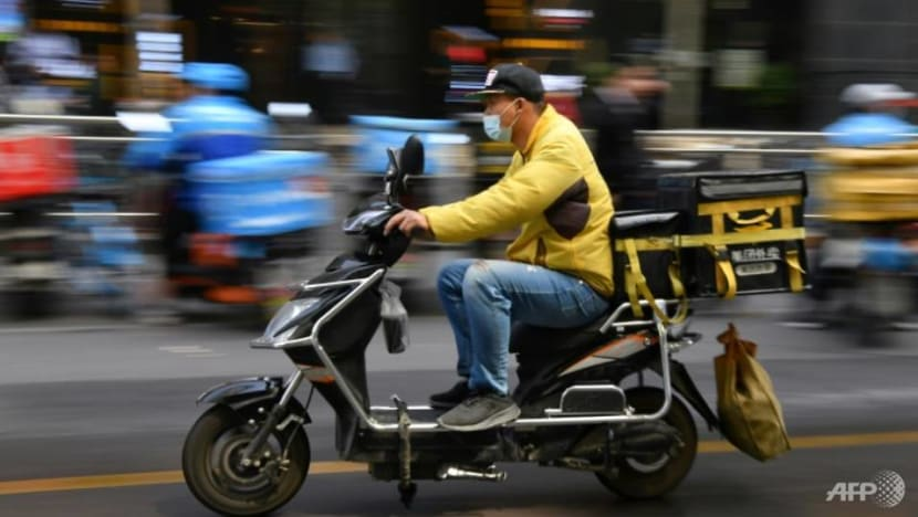 Shares in Meituan fall as China ramps up rider protections