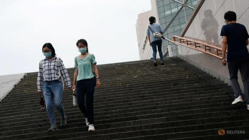 China reports 17 new COVID-19 cases, no community infections for 3rd straight day