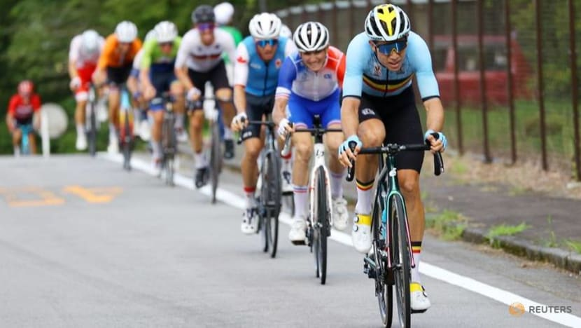 Olympics-Cycling-Road race a rare chance for fans at spectatorless Games