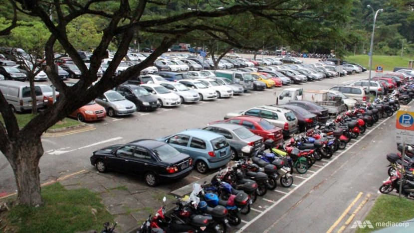 Government extends season parking waiver for private buses as part of COVID-19 support