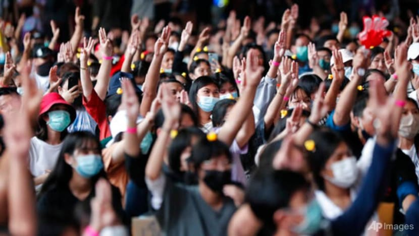 Thai school students protest against government, demand reform