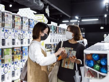 A fan of capsule vending machines? Japanese adults love them too