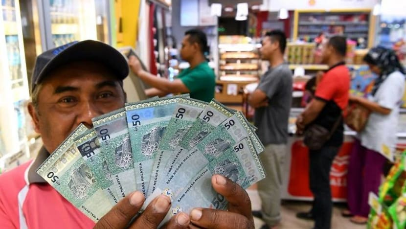 Singapore dollar's rise against the ringgit accelerates to 2018 high