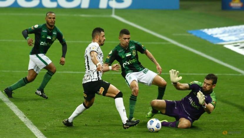 Football: Corinthians draw but extend unbeaten run to seven games