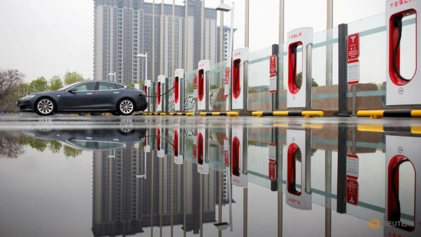 Tesla's China orders halved in May