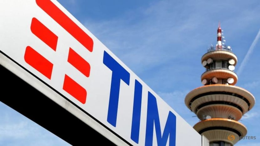 Telecom Italia readying reply to antitrust probe on DAZN deal-sources