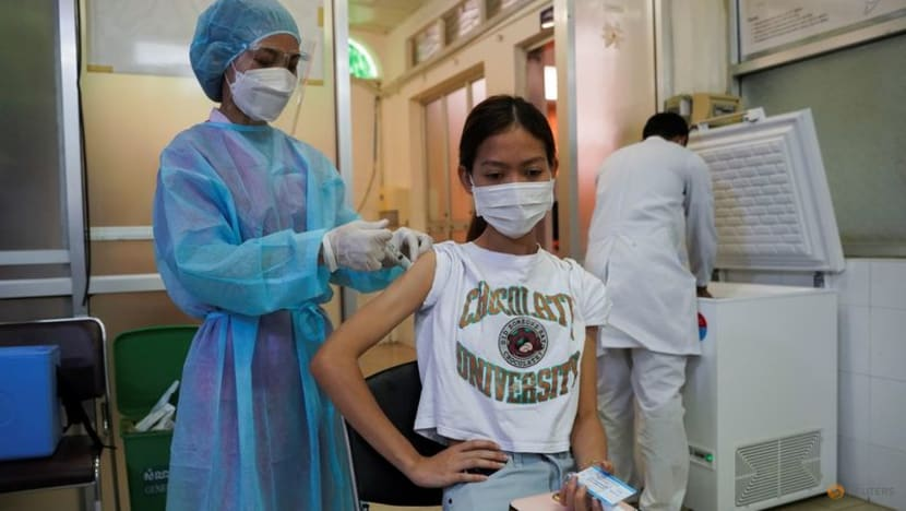 Cambodia starts vaccine booster drive to shore up COVID-19 defence