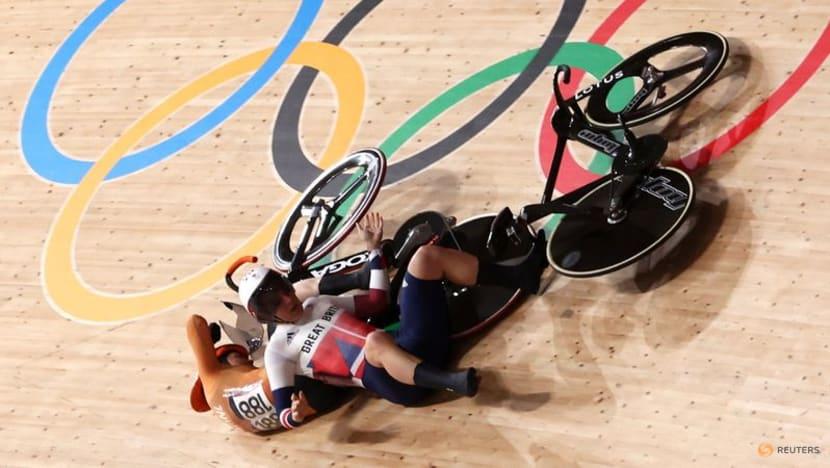 Olympics-Cycling-Dutch rider Van Riessen sent to hospital after huge crash