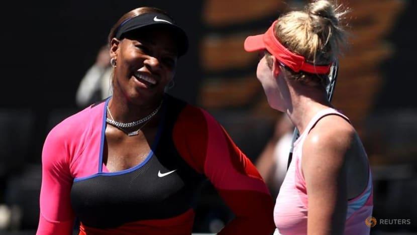 Serena sees off Stojanovic to sweep into third round