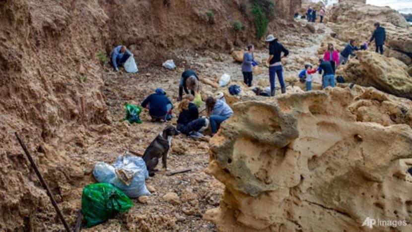 Oil spill stains Israeli shoreline; investigations underway