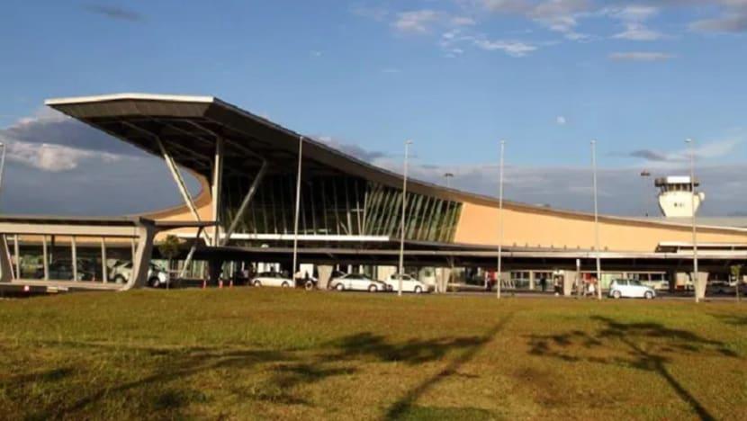 Wuhan virus: Chinese parents who refused quarantine of toddler in Johor stopped at Senai airport
