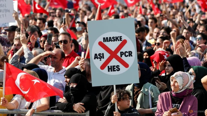 Thousands protest new Turkish COVID-19 vaccine and test rules