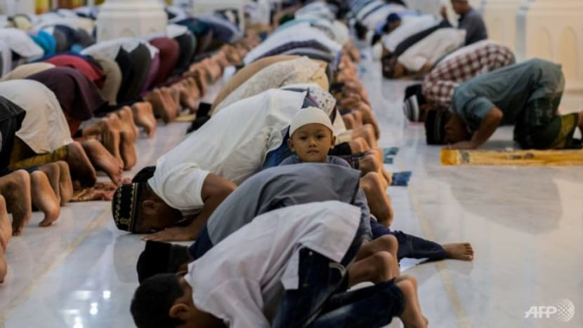 COVID-19: Mass prayers still held in parts of Indonesia despite guidance issued by central government