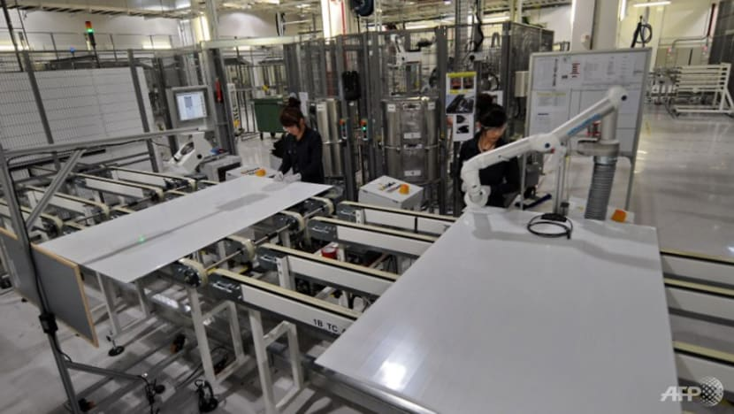 Singapore manufacturing output down 8% in August