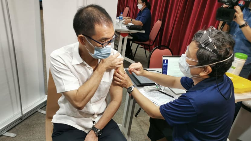 Healthcare institutions begin Sinopharm COVID-19 vaccination amid 'overwhelming' demand from public