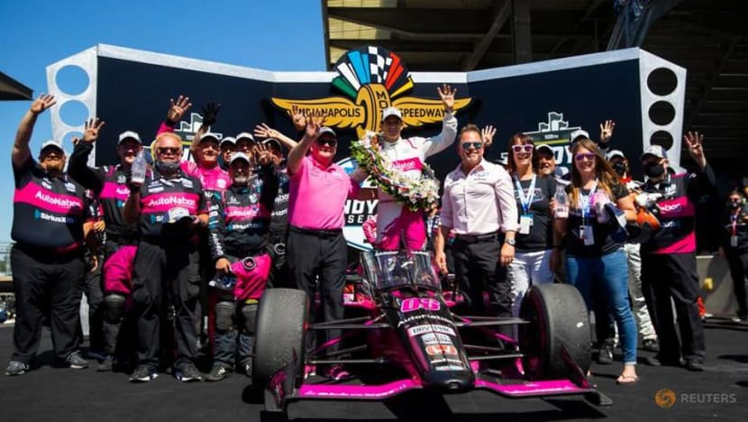 Motor racing-Fourth Indy 500 win clinched, Castroneves eyes number five