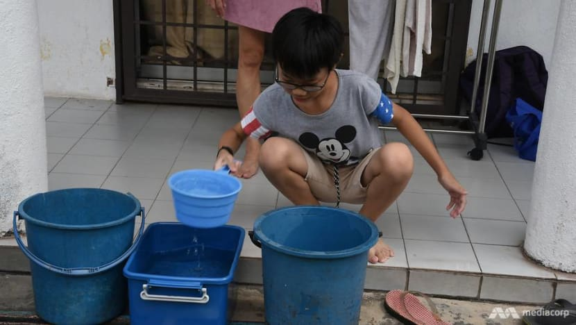 Selangor residents reel from water disruption caused by foul smell