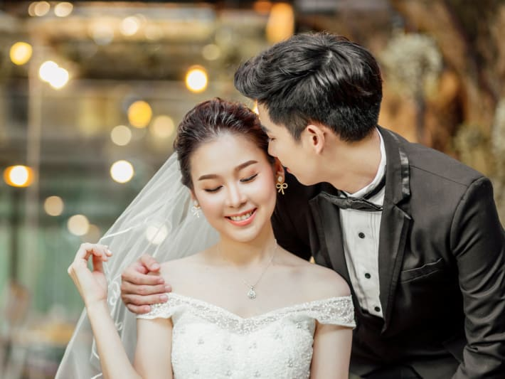 This Singapore hotel is giving away a free wedding banquet