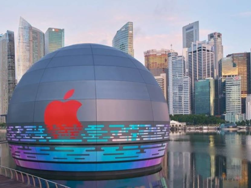 Singapore is getting an Apple store that sits on water, a world's first