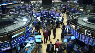 投资者担心恒大集团债券问题 华尔街股市各有涨跌