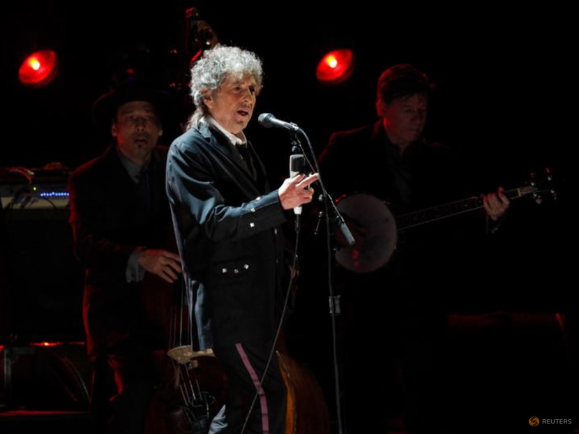 Bob Dylan sued for alleged sexual abuse of 12-year-old in 1965, singer denies allegations