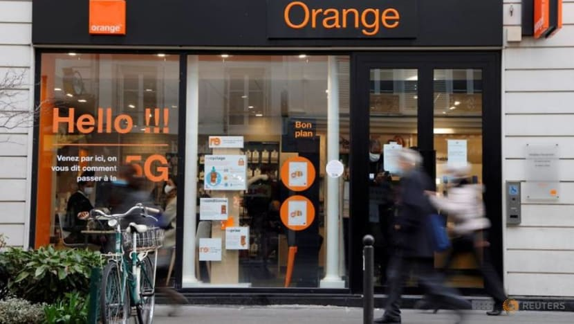 Orange boss under pressure over French telecoms outage