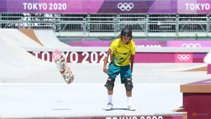 Olympics-Skateboarding-With friends and rivals, Aussie Palmer powers to gold