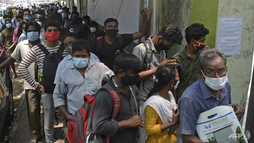 India records more than 400,000 new daily cases, first country to do so in COVID-19 pandemic